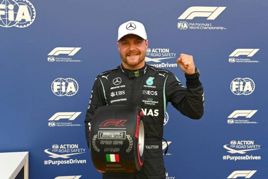 Valtteri Bottas (FIN) Mercedes AMG F1 celebrates being fastest in qualifying parc ferme with the Pirelli Speed King Award. 10.09.2021. Formula 1 World Championship, Rd 14, Italian Grand Prix, Monza, Italy, Qualifying Day. - www.xpbimages.com, EMail: requests@xpbimages.com © Copyright: FIA Pool Image for Editorial Use Only