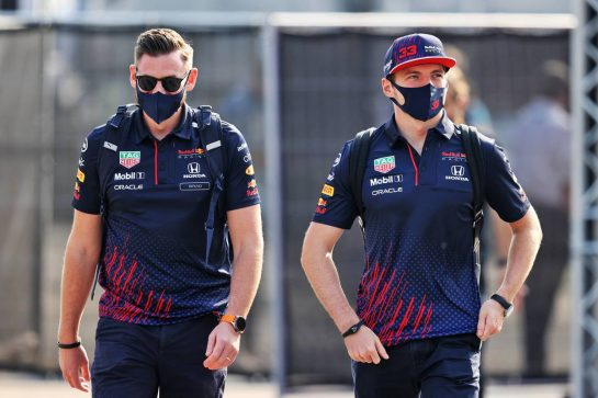 (L to R): Bradley Scanes (GBR) Red Bull Racing Physio and Performance Coach with Max Verstappen (NLD) Red Bull Racing. 11.09.2021. Formula 1 World Championship, Rd 14, Italian Grand Prix, Monza, Italy, Sprint Day. - www.xpbimages.com, EMail: requests@xpbimages.com © Copyright: Moy / XPB Images