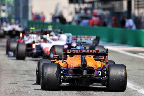 Daniel Ricciardo (AUS) McLaren MCL35M leaves the pits. 11.09.2021. Formula 1 World Championship, Rd 14, Italian Grand Prix, Monza, Italy, Sprint Day. - www.xpbimages.com, EMail: requests@xpbimages.com © Copyright: Moy / XPB Images