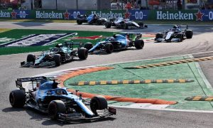 Wolff: Sprint race offers no benefit in risk-adverse environment