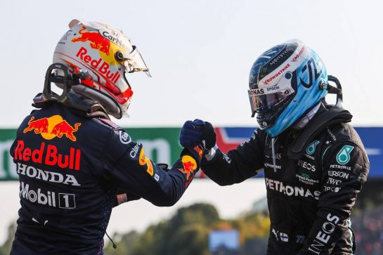 Max Verstappen (NLD), Red Bull Racing and Valtteri Bottas (FIN), Mercedes AMG F1 11.09.2021. Formula 1 World Championship, Rd 14, Italian Grand Prix, Monza, Italy, Sprint Day.- www.xpbimages.com, EMail: requests@xpbimages.com © Copyright: Charniaux / XPB Images