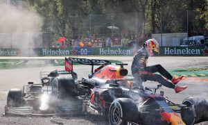 Verstappen didn't expect Hamilton 'to keep on squeezing'