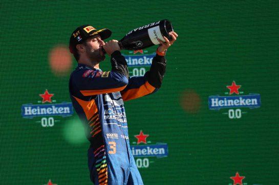 1st place Daniel Ricciardo (AUS) McLaren MCL35M.12.09.2021. Formula 1 World Championship, Rd 14, Italian Grand Prix, Monza, Italy, Race Day.- www.xpbimages.com, EMail: requests@xpbimages.com © Copyright: Batchelor / XPB Images