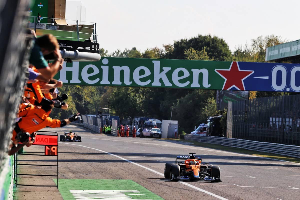 Race winner Daniel Ricciardo (AUS) McLaren MCL35M celebrates as he passes the team at the end of the race. 12.09.2021. Formula 1 World Championship, Rd 14, Italian Grand Prix, Monza