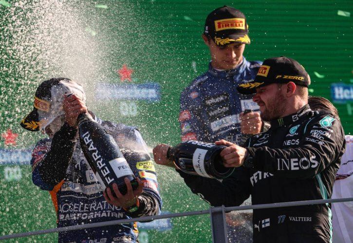 Daniel Ricciardo (AUS) and Valtteri Bottas (FIN), Mercedes AMG F1 12.09.2021. Formula 1 World Championship, Rd 14, Italian Grand Prix, Monza