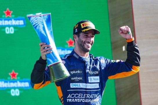 Daniel Ricciardo (AUS), McLaren F1 Team  12.09.2021. Formula 1 World Championship, Rd 14, Italian Grand Prix, Monza, Italy, Race Day. - www.xpbimages.com, EMail: requests@xpbimages.com © Copyright: Charniaux / XPB Images