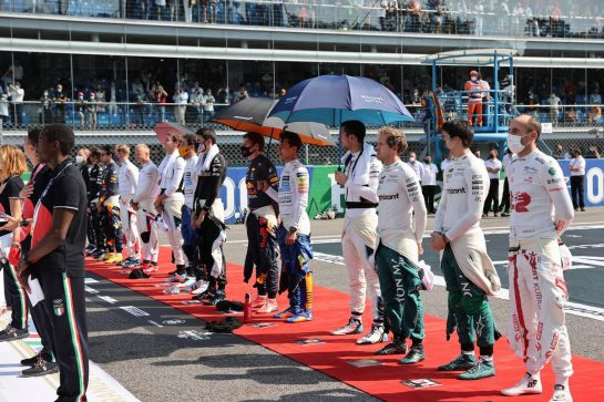 The Drivers line up on the grid.12.09.2021. Formula 1 World Championship, Rd 14, Italian Grand Prix, Monza, Italy, Race Day.- www.xpbimages.com, EMail: requests@xpbimages.com © Copyright: Batchelor / XPB Images