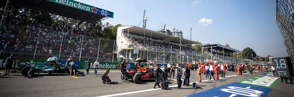 Sergio Perez (MEX) Red Bull Racing RB16B on the grid. 12.09.2021. Formula 1 World Championship, Rd 14, Italian Grand Prix, Monza