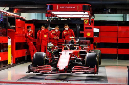 Ferrari SF-21. 23.09.2021. Formula 1 World Championship, Rd 15, Russian Grand Prix, Sochi Autodrom, Sochi, Russia, Preparation Day. - www.xpbimages.com, EMail: requests@xpbimages.com © Copyright: Moy / XPB Images