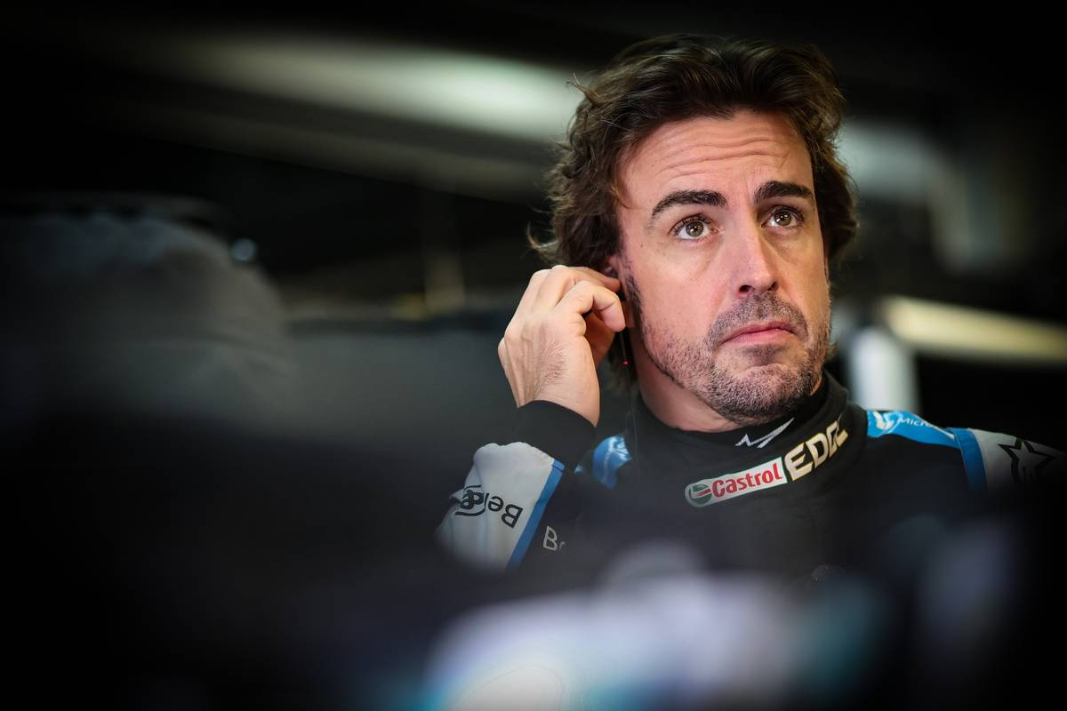Alonso wary of potential visibility issues at wet Sochi