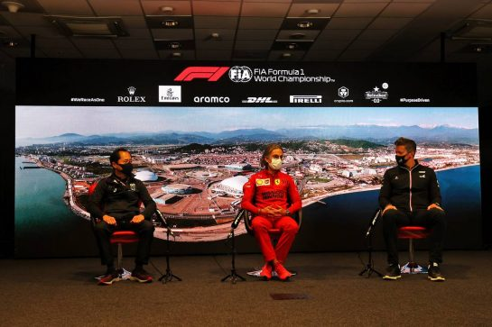 (L to R): Toyoharu Tanabe (JPN) Honda Racing F1 Technical Director; Laurent Mekies (FRA) Ferrari Sporting Director; Marcin Budkowski (POL) Alpine F1 Team Executive Director, in the FIA Press Conference. 24.09.2021. Formula 1 World Championship, Rd 15, Russian Grand Prix, Sochi Autodrom, Sochi, Russia, Practice Day. - www.xpbimages.com, EMail: requests@xpbimages.com © Copyright: Moy / XPB Images