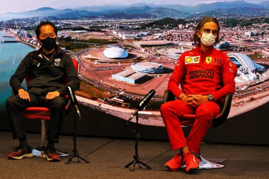 (L to R): Toyoharu Tanabe (JPN) Honda Racing F1 Technical Director and Laurent Mekies (FRA) Ferrari Sporting Director in the FIA Press Conference. 24.09.2021. Formula 1 World Championship, Rd 15, Russian Grand Prix, Sochi Autodrom, Sochi, Russia, Practice Day. - www.xpbimages.com, EMail: requests@xpbimages.com © Copyright: Moy / XPB Images