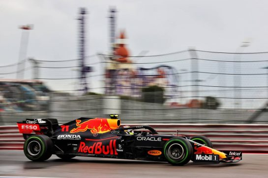 Sergio Perez (MEX) Red Bull Racing RB16B. 25.09.2021. Formula 1 World Championship, Rd 15, Russian Grand Prix, Sochi Autodrom, Sochi, Russia, Qualifying Day. - www.xpbimages.com, EMail: requests@xpbimages.com © Copyright: Batchelor / XPB Images