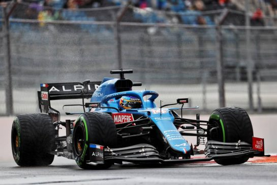 Fernando Alonso (ESP) Alpine F1 Team A521. 25.09.2021. Formula 1 World Championship, Rd 15, Russian Grand Prix, Sochi Autodrom, Sochi, Russia, Qualifying Day. - www.xpbimages.com, EMail: requests@xpbimages.com © Copyright: Batchelor / XPB Images