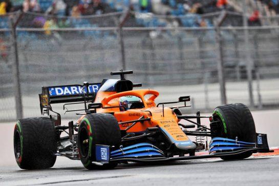 Daniel Ricciardo (AUS) McLaren MCL35M. 25.09.2021. Formula 1 World Championship, Rd 15, Russian Grand Prix, Sochi Autodrom, Sochi, Russia, Qualifying Day. - www.xpbimages.com, EMail: requests@xpbimages.com © Copyright: Batchelor / XPB Images