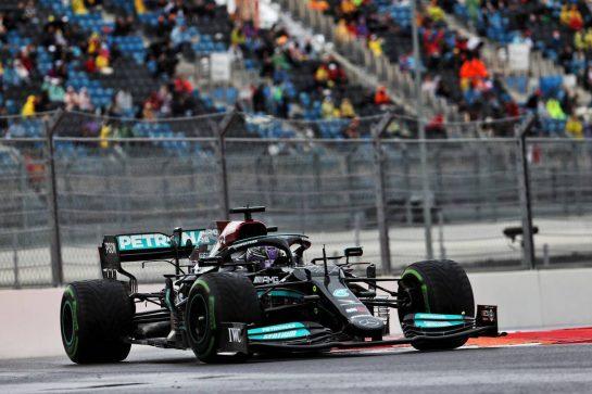 Lewis Hamilton (GBR) Mercedes AMG F1 W12. 25.09.2021. Formula 1 World Championship, Rd 15, Russian Grand Prix, Sochi Autodrom, Sochi, Russia, Qualifying Day. - www.xpbimages.com, EMail: requests@xpbimages.com © Copyright: Batchelor / XPB Images
