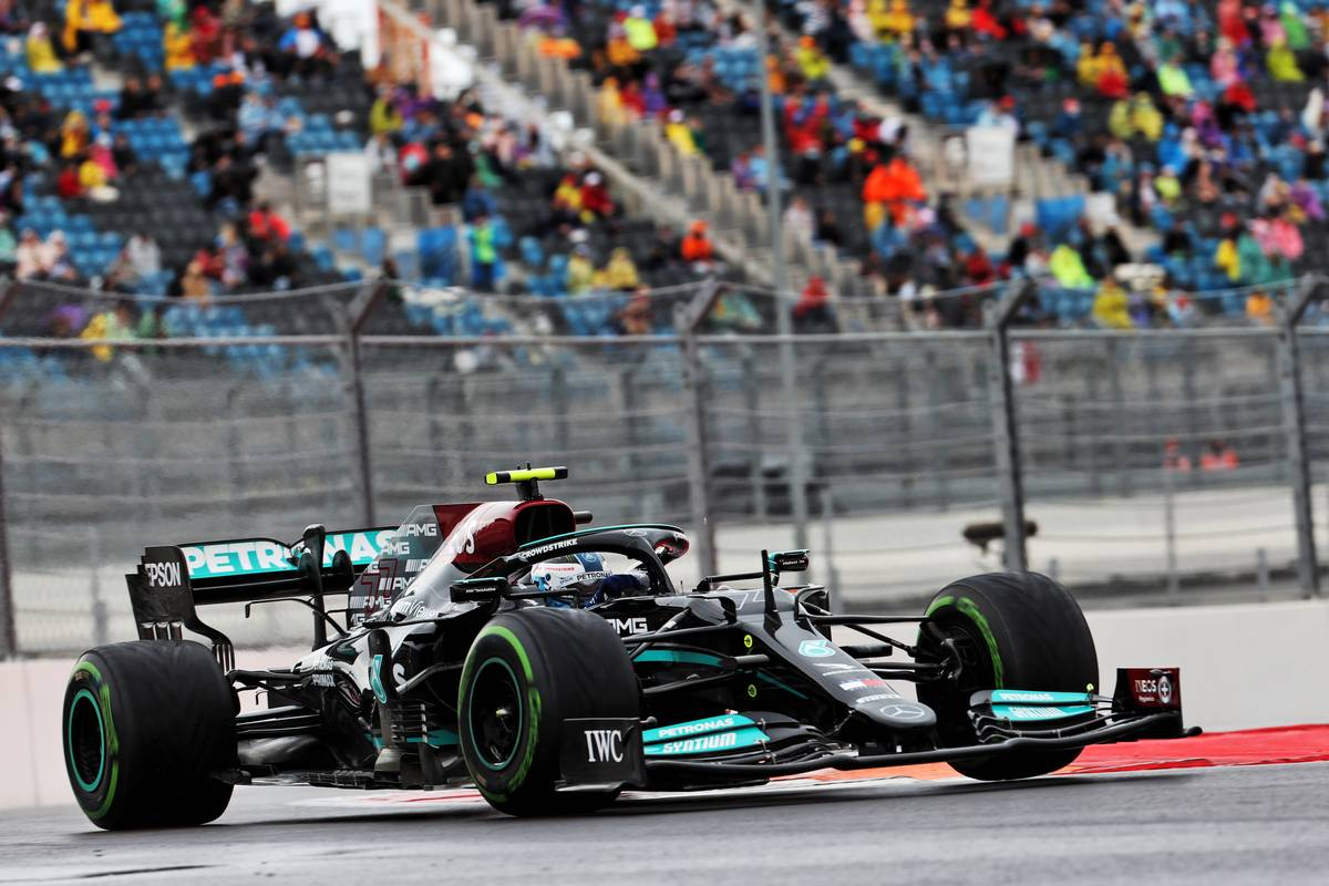 Valtteri Bottas (FIN) Mercedes AMG F1 W12. 25.09.2021. Formula 1 World Championship, Rd 15, Russian Grand Prix, Sochi