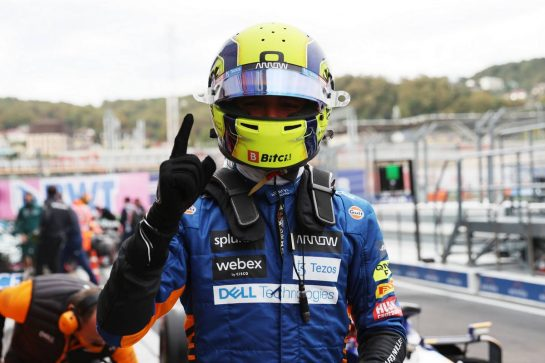 Lando Norris (GBR) McLaren celebrates his pole position in qualifying parc ferme.25.09.2021. Formula 1 World Championship, Rd 15, Russian Grand Prix, Sochi Autodrom, Sochi, Russia, Qualifying Day.- www.xpbimages.com, EMail: requests@xpbimages.com © Copyright: Batchelor / XPB Images