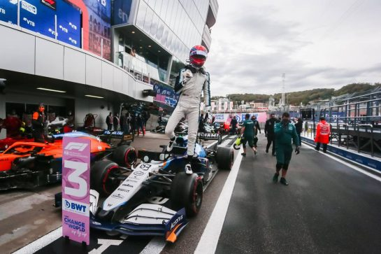 George Russell (GBR) Williams Racing FW43B celebrates his third position in qualifying parc ferme. 25.09.2021. Formula 1 World Championship, Rd 15, Russian Grand Prix, Sochi Autodrom, Sochi, Russia, Qualifying Day. - www.xpbimages.com, EMail: requests@xpbimages.com © Copyright: Bearne / XPB Images
