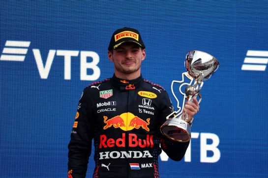 2nd place Max Verstappen (NLD) Red Bull Racing RB16B.26.09.2021. Formula 1 World Championship, Rd 15, Russian Grand Prix, Sochi Autodrom, Sochi, Russia, Race Day.- www.xpbimages.com, EMail: requests@xpbimages.com © Copyright: Batchelor / XPB Images