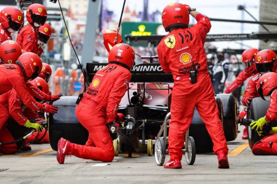 Charles Leclerc (MON) Ferrari SF-21 makes a pit stop. 26.09.2021. Formula 1 World Championship, Rd 15, Russian Grand Prix, Sochi Autodrom, Sochi, Russia, Race Day. - www.xpbimages.com, EMail: requests@xpbimages.com © Copyright: Charniaux / XPB Images