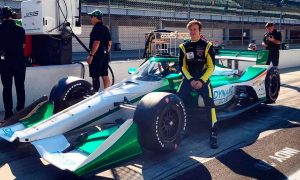 Ilott extends IndyCar deal with Juncos-Hollinger