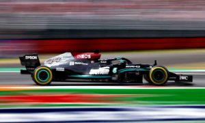 Red Bull: Mercedes impacted by engine 'clipping' on straights