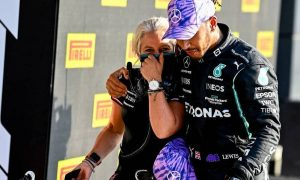 Hamilton on physio Cullen: 'I couldn't do it without her'