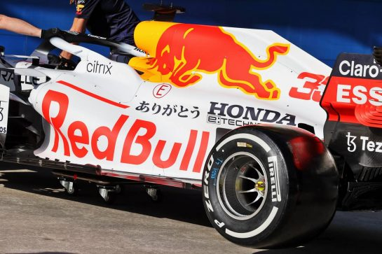 Red Bull Racing RB16B - Honda tribute livery. 07.10.2021. Formula 1 World Championship, Rd 16, Turkish Grand Prix, Istanbul, Turkey, Preparation Day. - www.xpbimages.com, EMail: requests@xpbimages.com © Copyright: Moy / XPB Images