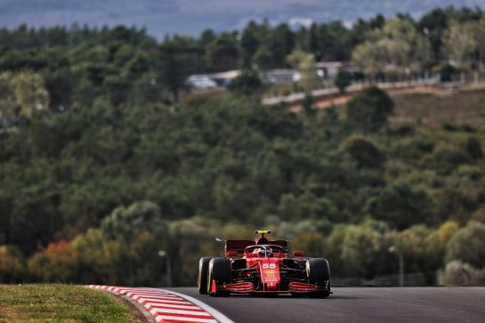 Carlos Sainz Jr (ESP) Ferrari SF-21. 08.10.2021 Formula 1 World Championship, Rd 16, Turkish Grand Prix, Istanbul, Turkey, Practice Day. - www.xpbimages.com, EMail: requests@xpbimages.com © Copyright: Moy / XPB Images