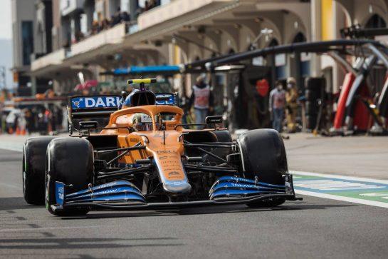 Lando Norris (GBR) McLaren MCL35M. 08.10.2021 Formula 1 World Championship, Rd 16, Turkish Grand Prix, Istanbul, Turkey, Practice Day. - www.xpbimages.com, EMail: requests@xpbimages.com © Copyright: Bearne / XPB Images