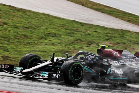 Valtteri Bottas (FIN) Mercedes AMG F1 W12. 09.10.2021. Formula 1 World Championship, Rd 16, Turkish Grand Prix, Istanbul, Turkey, Qualifying Day. - www.xpbimages.com, EMail: requests@xpbimages.com © Copyright: Batchelor / XPB Images