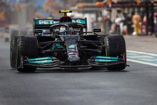 Valtteri Bottas (FIN) Mercedes AMG F1 W12. 09.10.2021. Formula 1 World Championship, Rd 16, Turkish Grand Prix, Istanbul, Turkey, Qualifying Day. - www.xpbimages.com, EMail: requests@xpbimages.com © Copyright: Bearne / XPB Images