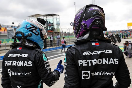 (L to R): Pole sitter Valtteri Bottas (FIN) Mercedes AMG F1 with team mate and fastest in qualifying Lewis Hamilton (GBR) Mercedes AMG F1 in parc ferme. 09.10.2021. Formula 1 World Championship, Rd 16, Turkish Grand Prix, Istanbul, Turkey, Qualifying Day. - www.xpbimages.com, EMail: requests@xpbimages.com © Copyright: Batchelor / XPB Images