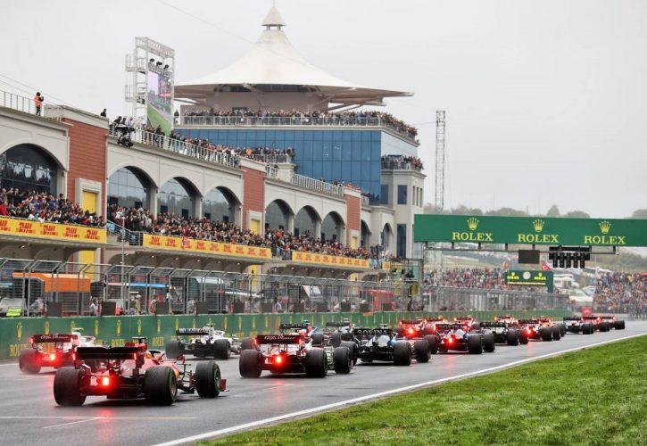 Carlos Sainz Jr (ESP) Ferrari SF-21 at the start of the race. 10.10.2021. Formula 1 World Championship, Rd 16, Turkish Grand Prix, Istanbul