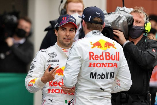 (L to R): third placed Sergio Perez (MEX) Red Bull Racing with second placed team mate Valtteri Bottas (FIN) Mercedes AMG F1 in parc ferme at the end of the race. 10.10.2021. Formula 1 World Championship, Rd 16, Turkish Grand Prix, Istanbul, Turkey, Race Day. - www.xpbimages.com, EMail: requests@xpbimages.com © Copyright: Moy / XPB Images