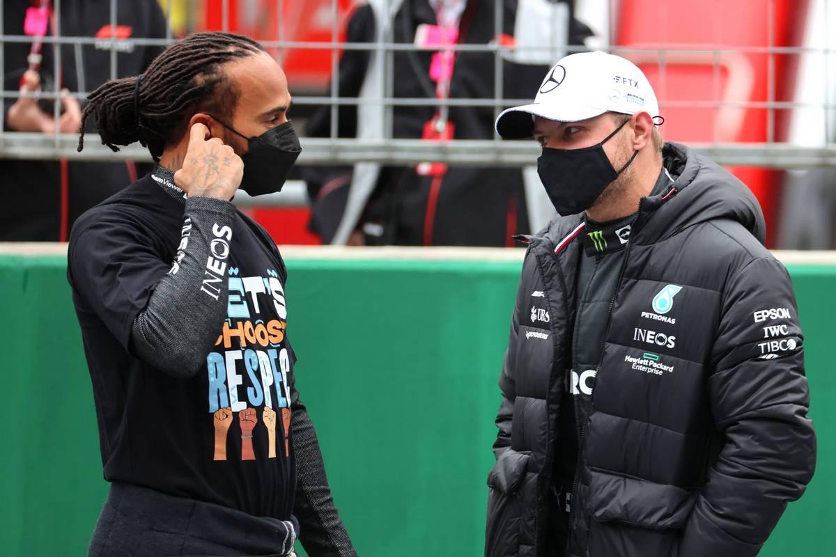 Lewis Hamilton (GBR) Mercedes AMG F1 W12 y Valtteri Bottas (FIN) Mercedes AMG F1.  10.10.2021.  Campeonato del Mundo de Fórmula 1, Rd 16, Gran Premio de Turquía, Estambul